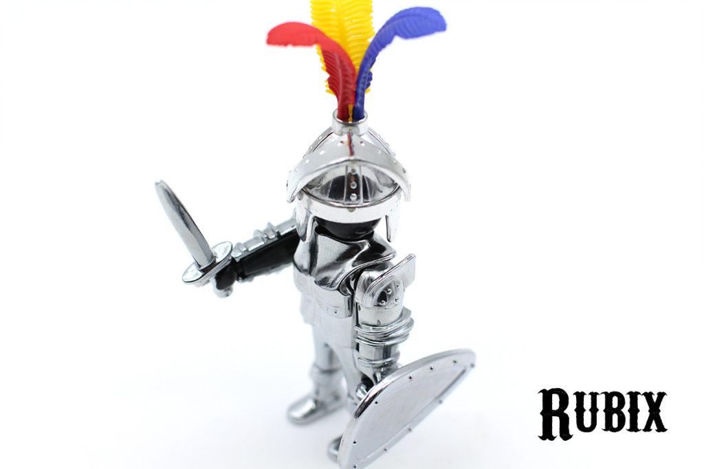 Armadura plateada Playmobil con cabeza negra
